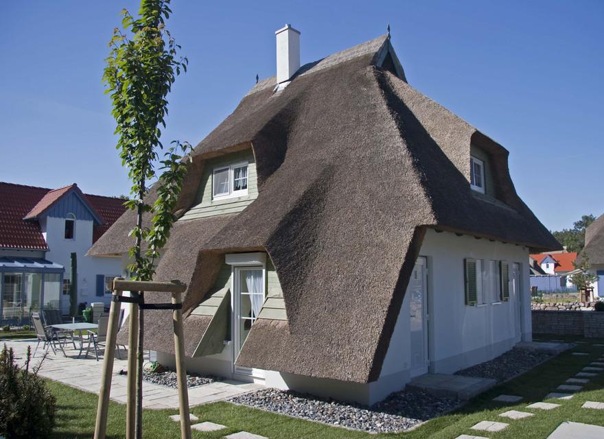 ferienhaus karlshagen exklusiv reetdach ferienhaus usedom. Black Bedroom Furniture Sets. Home Design Ideas