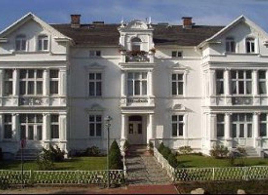 ferienwohnung heringsdorf f r 2 personen h bsche ferienwohnung an der promenade von heringsdorf. Black Bedroom Furniture Sets. Home Design Ideas